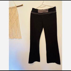 Lululemon Women's Black Classic Groove Pant size 8